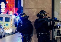 350 cảnh sát Pháp truy lùng thủ phạm nổ súng