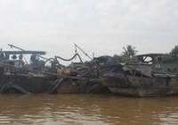 3 ghe cát trên sông Đồng Nai tháo chạy khi thấy cảnh sát
