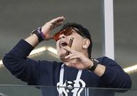 Maradona bênh Messi, đổ lỗi cho cả đội tuyển Argentina