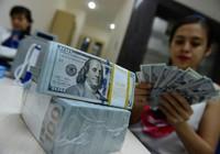 Giá USD liên tục tăng, vàng khởi sắc trở lại