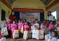 Báo Pháp Luật TP.HCM mang áo ấm đến với trẻ vùng cao Gia Lai