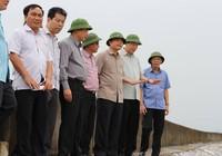 Bộ trưởng Nông nghiệp về Quảng Ninh chỉ đạo chống bão