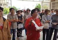 Bí thư Nguyễn Thiện Nhân đến thăm người dân Thủ Thiêm