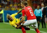 Đá kiểu này, Neymar sớm thành thương binh