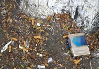 Vứt tàn thuốc lung tung, bị chủ tịch phường phạt tiền