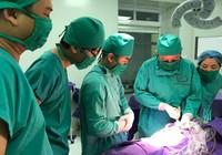 Phẫu thuật cắt u quái cho bé 1 ngày tuổi