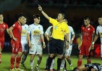 Bóng đá chuyên nghiệp kiểu Việt Nam