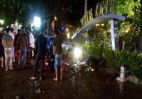 Thanh niên chạy ô tô đâm chết 2 người đi bộ trên vỉa hè