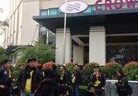 Cổ động viên Malaysia lặng lẽ trước sự cuồng nhiệt của VN