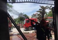 Quảng Ninh: Xưởng cơ khí bị 'bà hỏa' tấn công