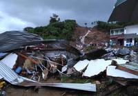 Sạt lở khủng khiếp ở Nha Trang làm 12 người chết