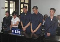 2 chị em hầu tòa vì chơi ma túy