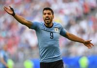 """Suarez """"nổ"""" tưng bừng, HLV Cherchesov không mắc cỡ"""