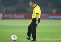 Ông giáo Park Hang-seo dễ thương trước trận quyết đấu Myanmar