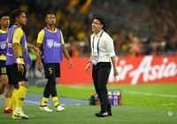 HLV của Malaysia 'đổ thừa' cầu thủ Việt Nam chơi xấu