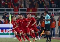Rơi nước mắt với khoảnh khắc Anh Đức tìm mẹ sau chức vô địch