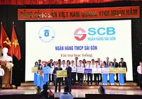 SCB trao học bổng cho sinh viên hai trường đại học tại TP.HCM
