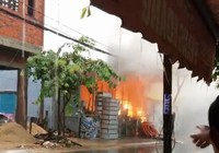 Cháy nổ tủ điện trong xưởng inox lúc mưa lớn