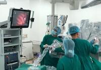 Lần đầu tiên VN phẫu thuật robot trị bệnh nhược cơ ngoạn mục