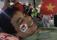 Bệnh nhân hào hứng xem chung kết giữa Việt Nam-Malaysia