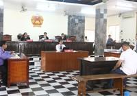 Hoãn phiên tòa vì HĐXX bất ngờ có thẩm phán nữ