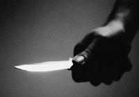Cầm dao rượt chém công an xã