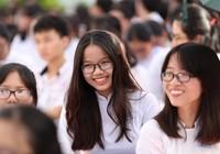 Nữ sinh Gia Định xinh tươi, duyên dáng trong ngày khai giảng