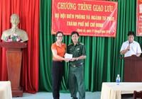Sở Tư pháp TP.HCM thăm, tặng quà xã đảo Thạnh An