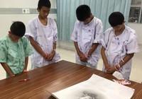 Đội bóng nhí Thái Lan sốc khi biết tin thợ lặn Kunan tử nạn