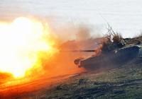 Xe tăng Nga lần đầu diễn tập bắn các mục tiêu trên biển