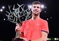 Clip Khachanov đánh bại Djokovic trận chung kết Paris Masters