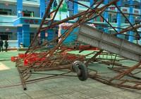 Hiện trường vụ sập giàn giáo khiến 25 học sinh bị thương