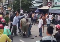 Nố súng trấn áp nhóm cướp cầm hung khí tấn công cảnh sát