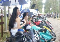 Thích đi ô tô, người Việt vẫn ầm ầm mua gần 2,5 triệu xe máy