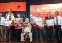 TP.HCM trao Huy hiệu 70 năm tuổi Đảng cho 147 Đảng viên