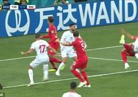 Kane bị chơi 'đấu vật', trọng tài làm lơ, người Anh bất bình