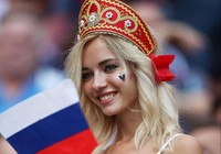 Hot girl khai mạc World Cup hứa khỏa thân nếu Nga vô địch
