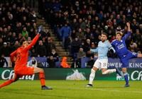 Hạ Leicester City trên loạt 'đấu súng', Man. City vào bán kết