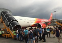 Mưa lớn, máy bay đi Huế hạ cánh xuống sân bay Đà Nẵng