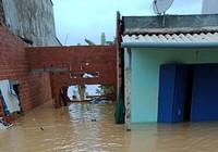 Hàng ngàn căn nhà bị ngập ở Bình Định, nhiều nơi bị cô lập