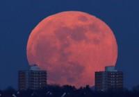 Bộ ba siêu trăng, trăng sói và trăng máu xuất hiện cùng lúc