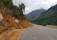 Cận cảnh sạt lở taluy cao tốc La Sơn – Túy Loan