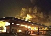 Cháy cây xăng trong đêm, 2 nhân viên nguy kịch