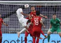 Tuyển Việt Nam lấy vé vớt nhưng cứ như 'vô địch bảng'