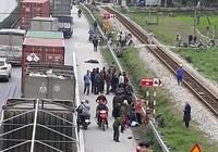 Vụ tai nạn làm 8 người chết: Tiếp tục xác minh tốc độ xe