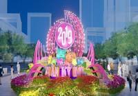 Cặp heo cao gần 3m trên đường hoa Nguyễn Huệ Tết 2019