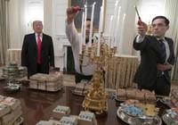 Ông Trump đãi khách đồ ăn nhanh vì bếp Nhà Trắng nghỉ làm