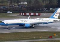 Bà Trump vẫn dùng máy bay công vụ đi nghỉ mát