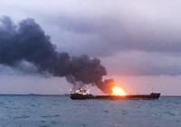 2 tàu bốc cháy ở eo biển Kerch, 10 người thiệt mạng
