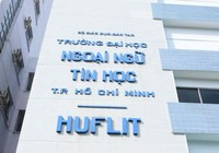 Bằng tốt nghiệp của hơn 1.000 SV HUFLIT do Phó hiệu trưởng ký